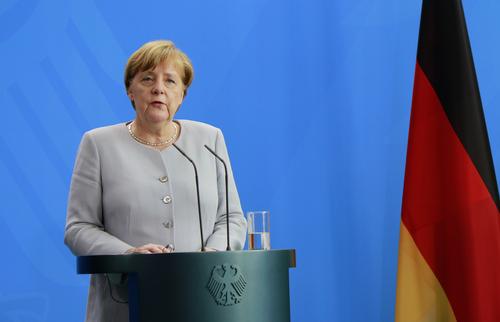 Merkel am Rednerpult